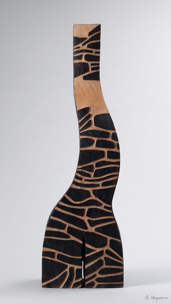 Sèves - Sculpture en érable - Christiane GIRAUD - Hauteur 93 cm Largeur 28 cm Profondeur 16 cm - © Alexandra VAQUERO