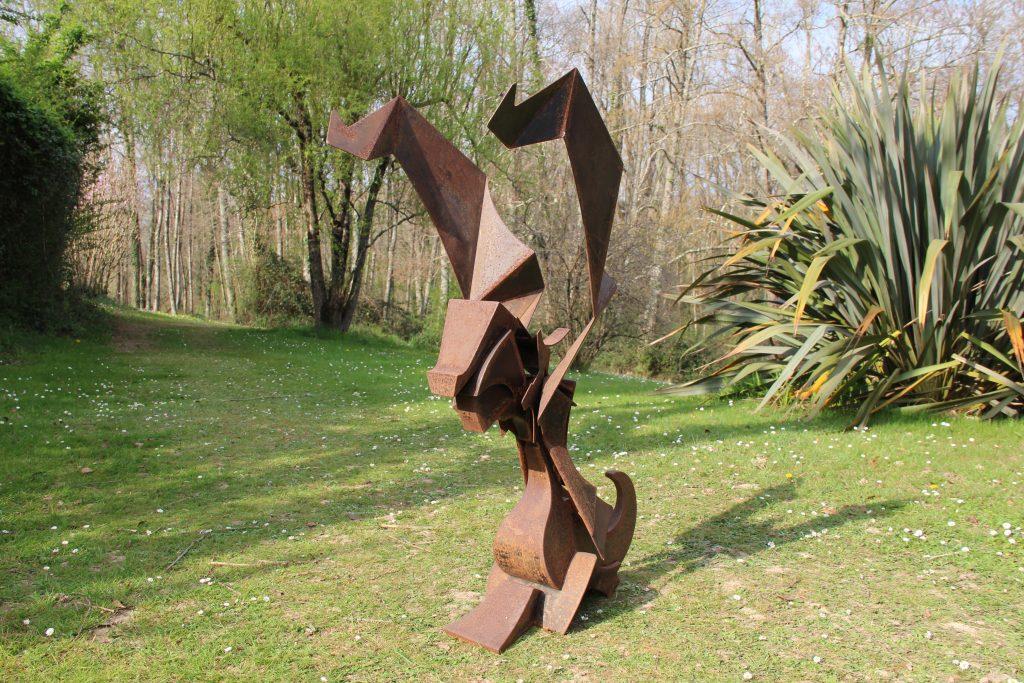 GAUEKO - sculpture métamorphique de Gilles PLANTADE - acier Corten - transformation - état 2