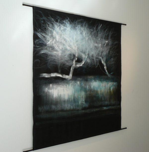 des histoires de niaoulis 2 in situ - Artiste Nadine ARRIETA - Huile et acrylique sur lin noir libre - 161cm x 150cm - 2500 euros