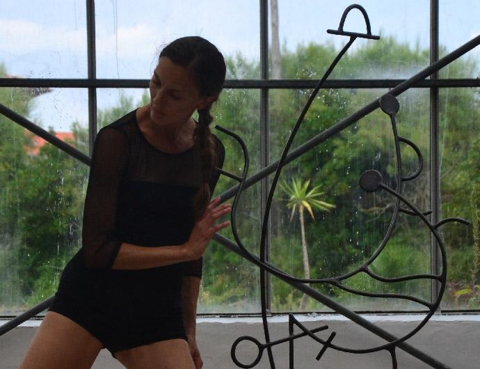 Création chorégraphiée avec Aureline GUILLOT (ancienne danseuse du Malandain Ballet Biarritz) sur une idée du sculpteur Gilles PLANTADE en 2018